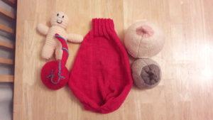 mama-vs-knitted-boobiedoos